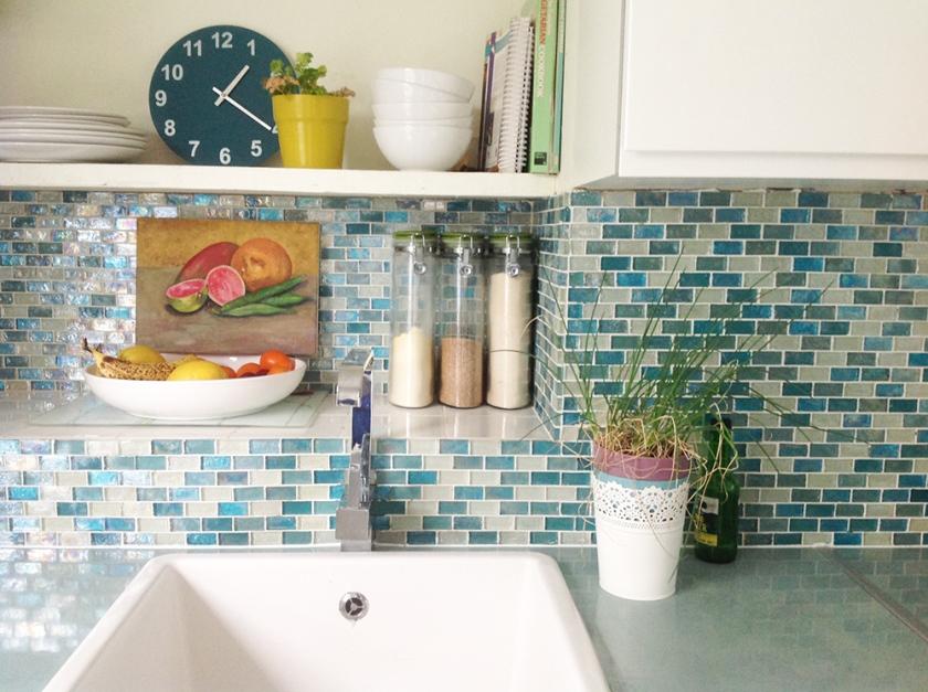 kitchen-design_blue-tiles_mosaic-tiles_-nesting-properties